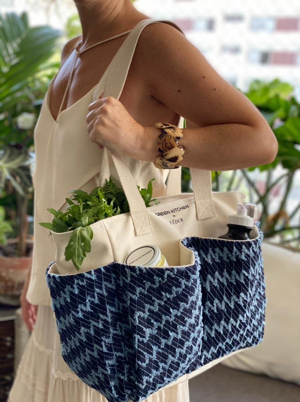 """""""Meu objetivo principal é dar mais visibilidade para os produtos dessas mulheres tão batalhadoras e ajudá-las em um momento tão complicado que estamos vivendo"""", explica Daniele, sócia da Green Kitchen (Foto: Féder / Divulgação)"""