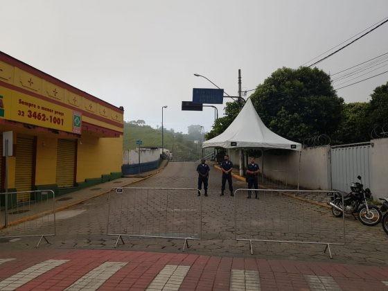 Prefeitura de Além Paraíba instala barreiras sanitárias em acessos da cidade