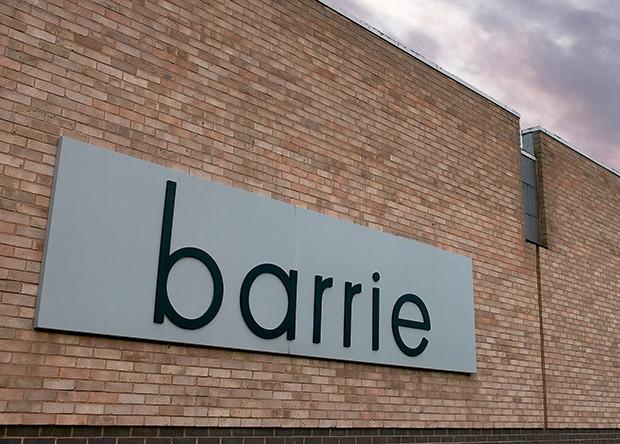 Cashmere -  Fachada do Barrie,  ateliiê fundado em 1903 na Escócia (Foto: O.Saillant, Lucile Perron)