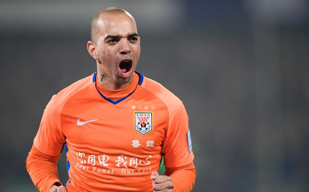 Diego Tardelli é o sonho do Corinthians para reforçar setor ofensivo — Foto: Sina.com