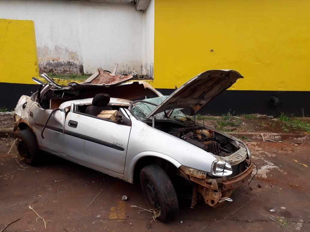 Homem morre e três pessoas ficam feridas após carro capotar na PR-486, diz PRE - Notícias - Plantão Diário