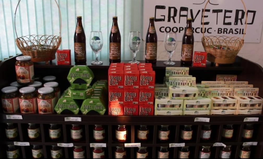 Produtos feitos a partir do umbu são comercializados por cooperativa na Bahia — Foto: Reprodução/ TV Bahia