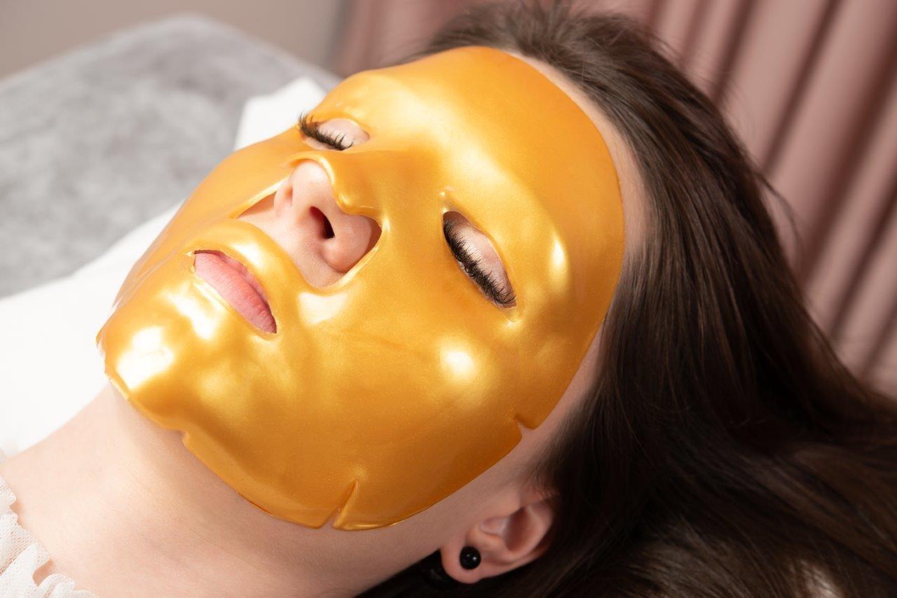 O espaço conta com tratamentos como alongamento de cílios, botox e hidratação facial (Foto: divulgação)