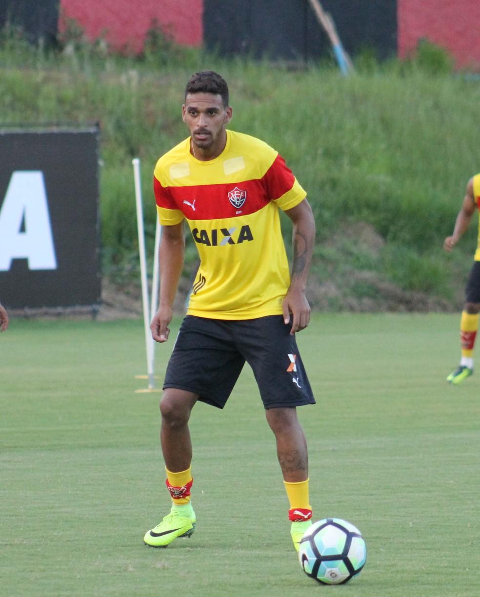 ebc89e3ec1f13 Agente revela interesse de equipe de Portugal pelo atacante Todinho ...
