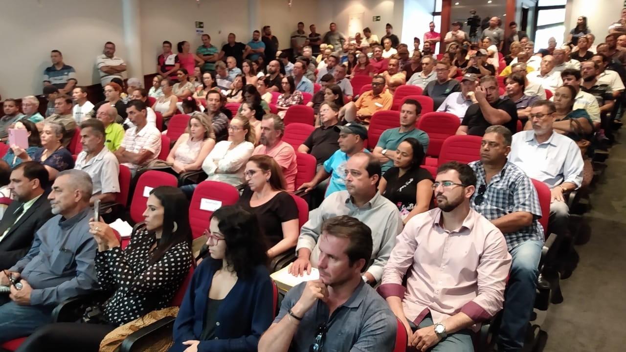Soluções para o transporte escolar de Araguari são discutidas em audiência pública