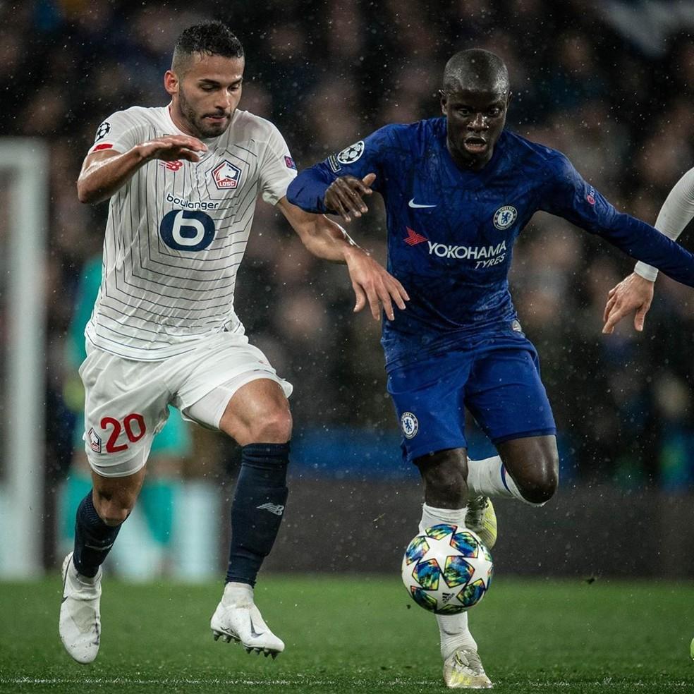 Thiago Maia em disputa de bola com Kanté, volante do Chelsea — Foto: Reprodução/Instagram/Thiago Maia