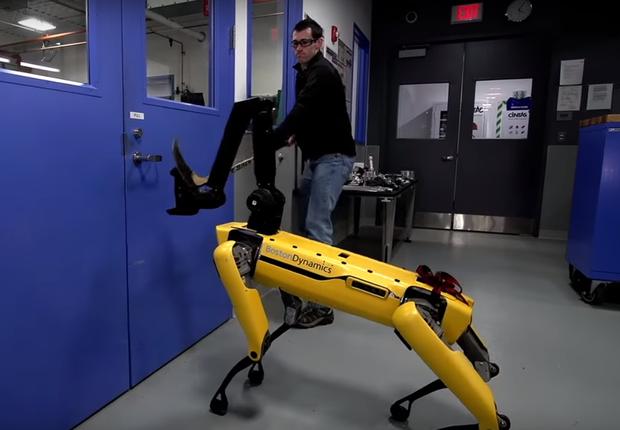 Humano VS robô. Empresa decidiu testar quão robusta era a sua criação (Foto: Reprodução/YouTube)