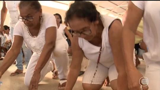 Milhares de romeiros lotam santuário de Santa Cruz dos Milagres