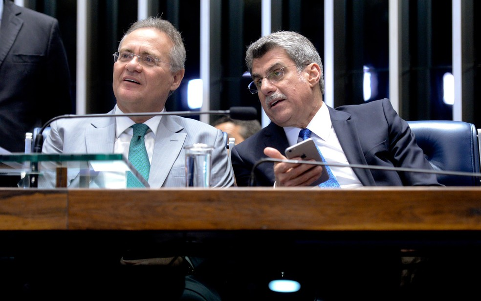 O senador Renan Calheiros (MDB-AL) e o ex-senador Romero Jucá (MDB-RR) — Foto: Jefferson Rudy/Agência Senado