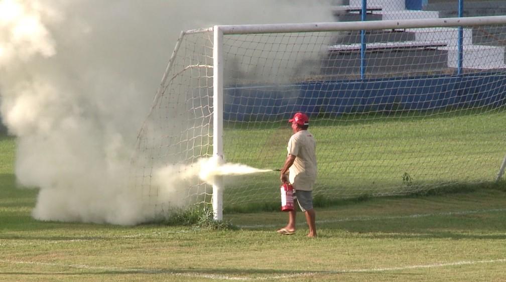 Ataque de abelhas no Campeonato Piauiense — Foto: TV Clube