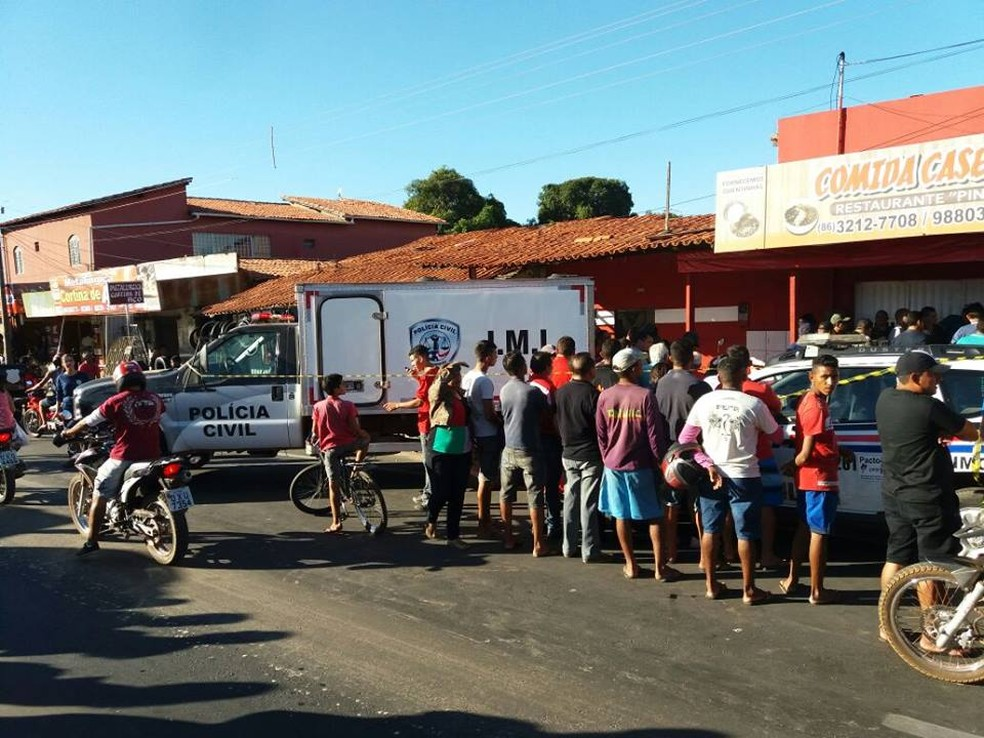 Restaurante que o policial foi assassinado  (Foto: Raimundo Soares/TV Clube)