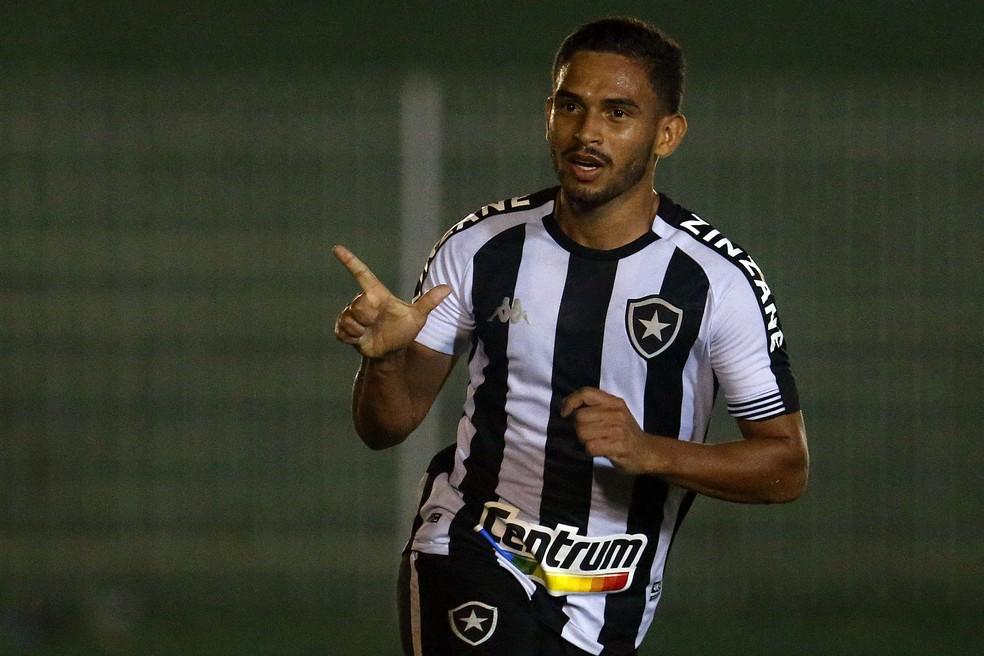 Marco Antônio em Nova Iguaçu x Botafogo — Foto: Vitor Silva/Botafogo