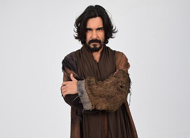 André Gonçalves interpreta Barrabás na novela bíblica (Foto: Munir Chatack, Edu Moraes e Blad Meneghel/ Record TV)