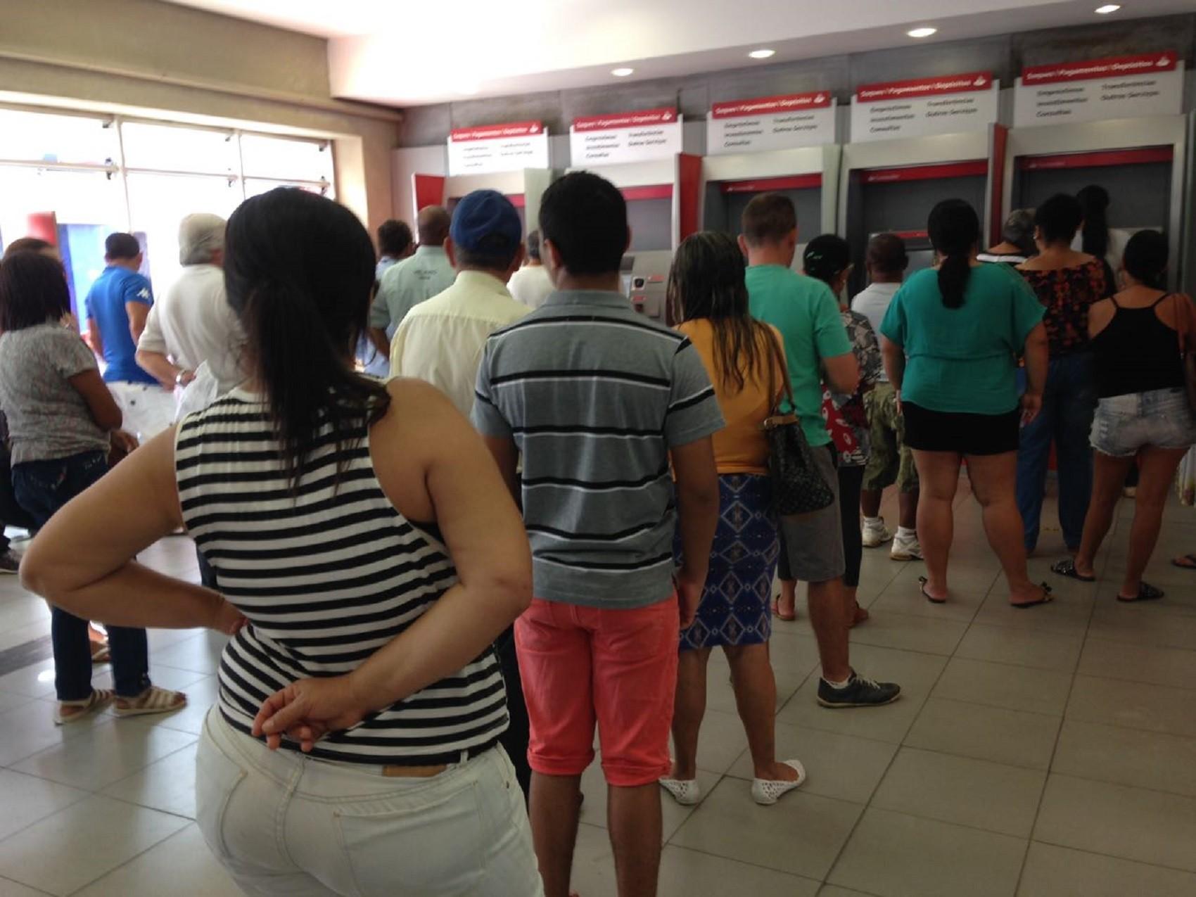 Agências bancárias do Centro de Maceió são autuadas pelo Procon