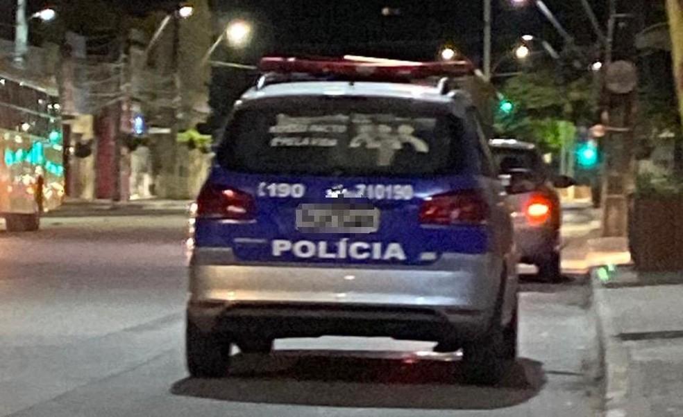 Assessor parlamentar fez fotos  do veículo que era usado pela equipe da PM — Foto: Cortesia/Eliseu Neto