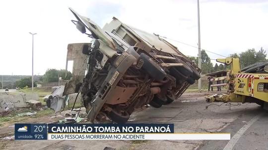 Caminhão de lixo tomba e mata duas pessoas no Paranoá