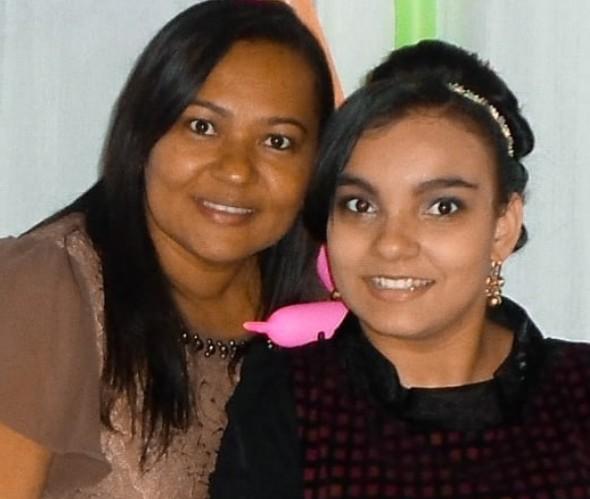 Mara Viana com a filha, Aracy (Foto: Reprodução Instagram)