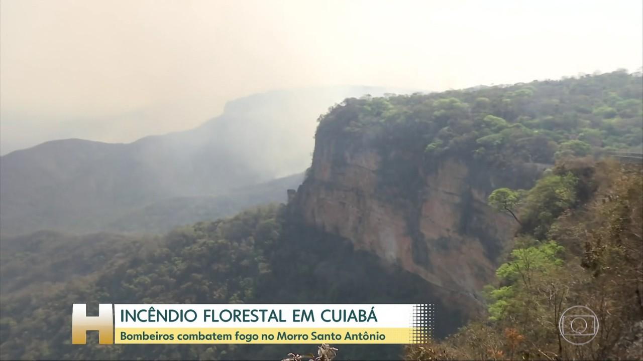 Incêndio no Morro Santo Antonio, em Cuiabá