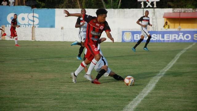 Márcio Diogo fez dois gols no jogo