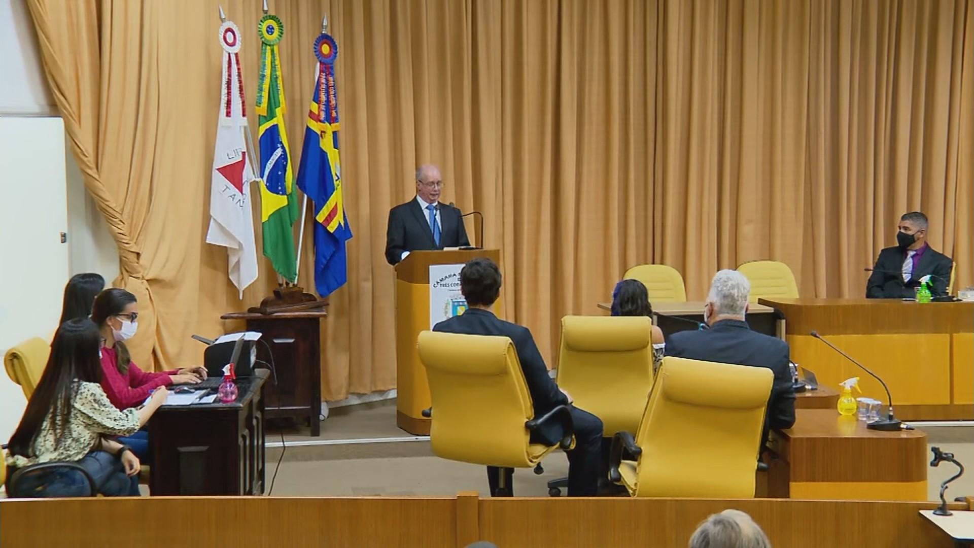 Nadico Vilela toma posse como novo prefeito de Três Corações após cassação de Gordo Dentista