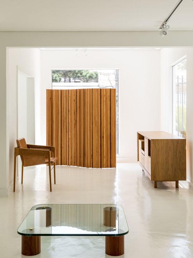 Casa dos anos 40 dá espaço a loja-galeria de arquitetura e design (Foto: Fran Parente)