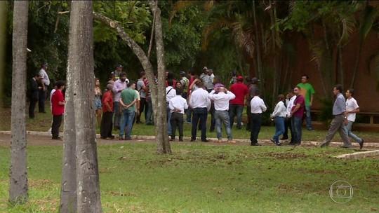 Apoiadores de Guaidó deixam Embaixada da Venezuela