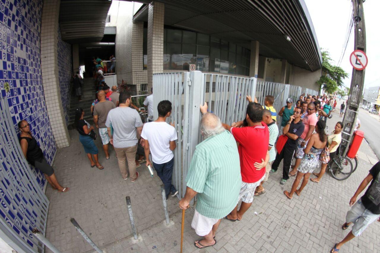 Caixa abre agências no sábado para pagamento do Auxílio Emergencial e do Auxílio Emergencial Extensão