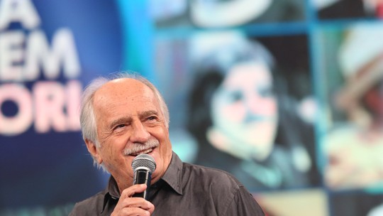 Ary Fontoura recebe homenagem do 'Domingão do Faustão'