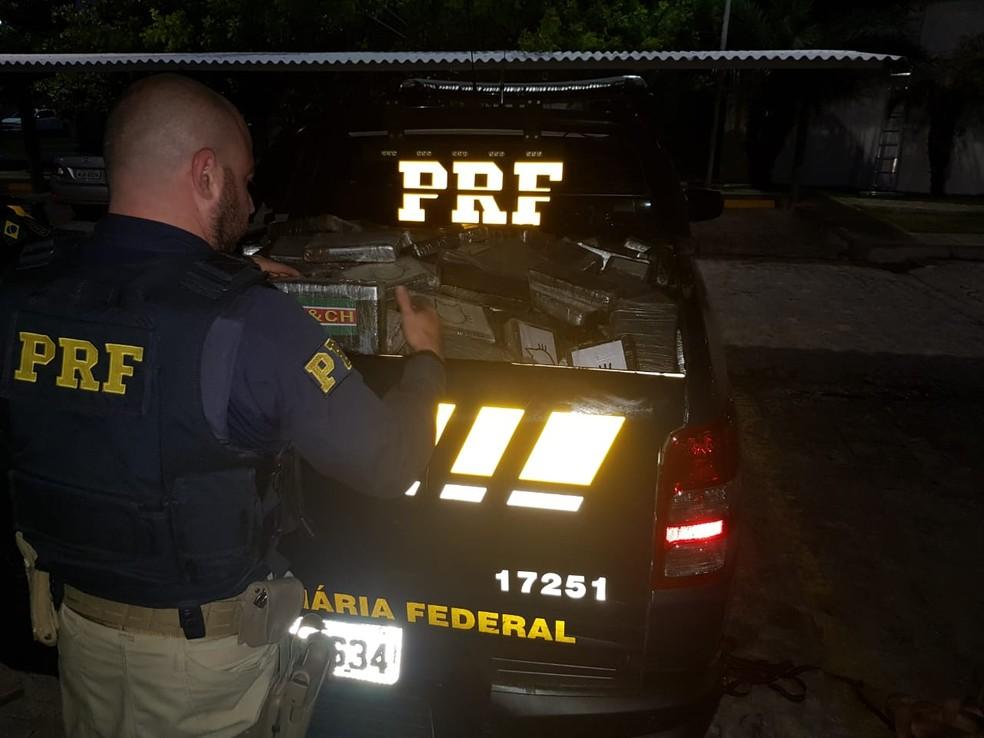 PRF apreendeu 560kg de cocaína no Sertão de Alagoas — Foto: Ascom/PRF- AL