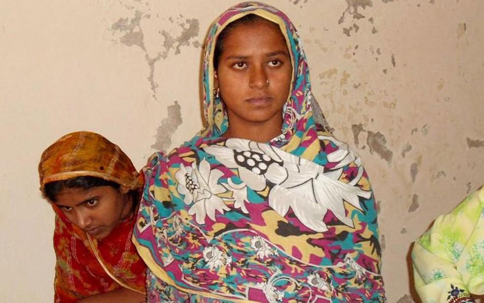 A violência contra mulher e a escassez de abrigos femininos são um problema mundial, como também no Paquistão (foto) (Foto: DW)