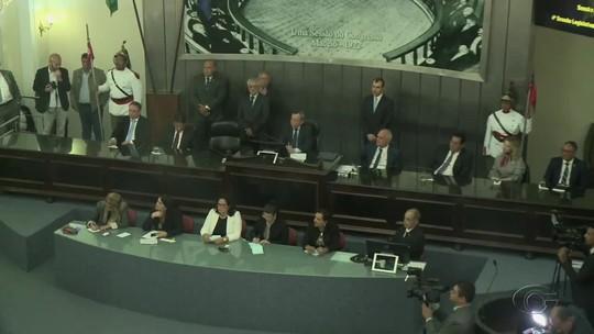 Deputados estaduais de Alagoas dão início a ano legislativo em sessão solene com presença do governador