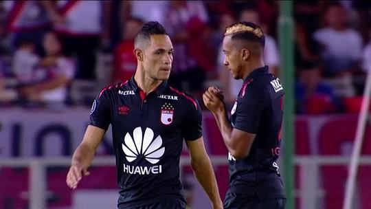 Santa Fé tenta superar crise para encarar Flamengo em Maracanã vazio após festa em treino