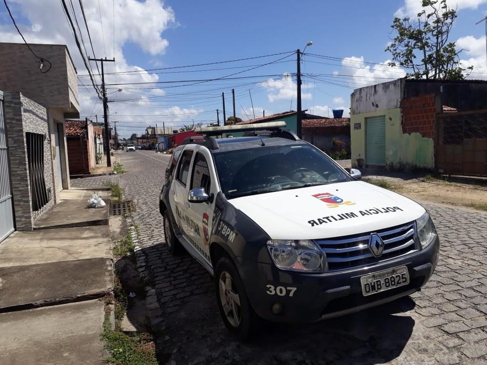 Rubens Maia foi levado da frente da casa onde morava, em Parnamirim, pelos criminosos (Foto: Marksuel Figueredo/Inter TV Cabugi)
