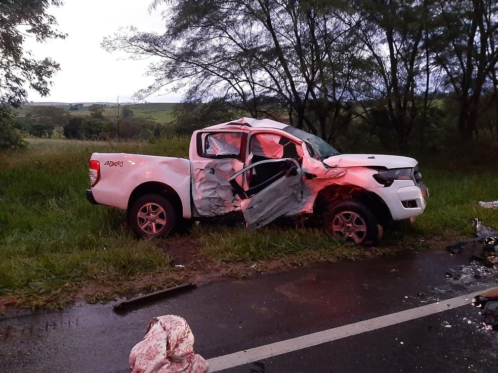 Duas mulheres morreram e outras quatro pessoas ficaram feridas no acidente — Foto: Mais Tupã/Divulgação