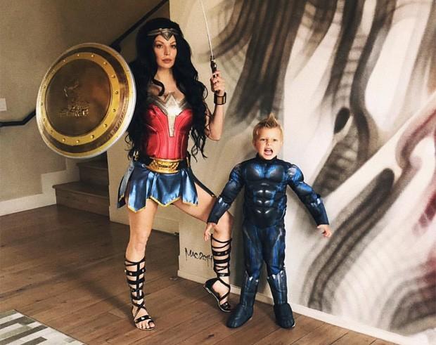 Fergie e o filho, Axl (Foto: Reprodução/Instagram)