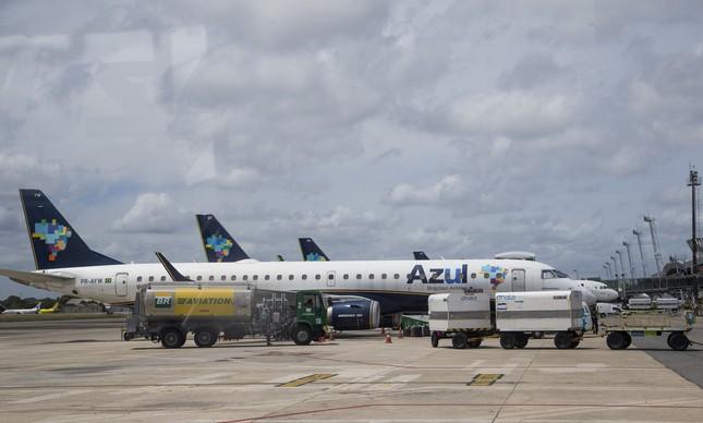Aviões da Azul no Aeroporto Internacional do Recife/Guararapes