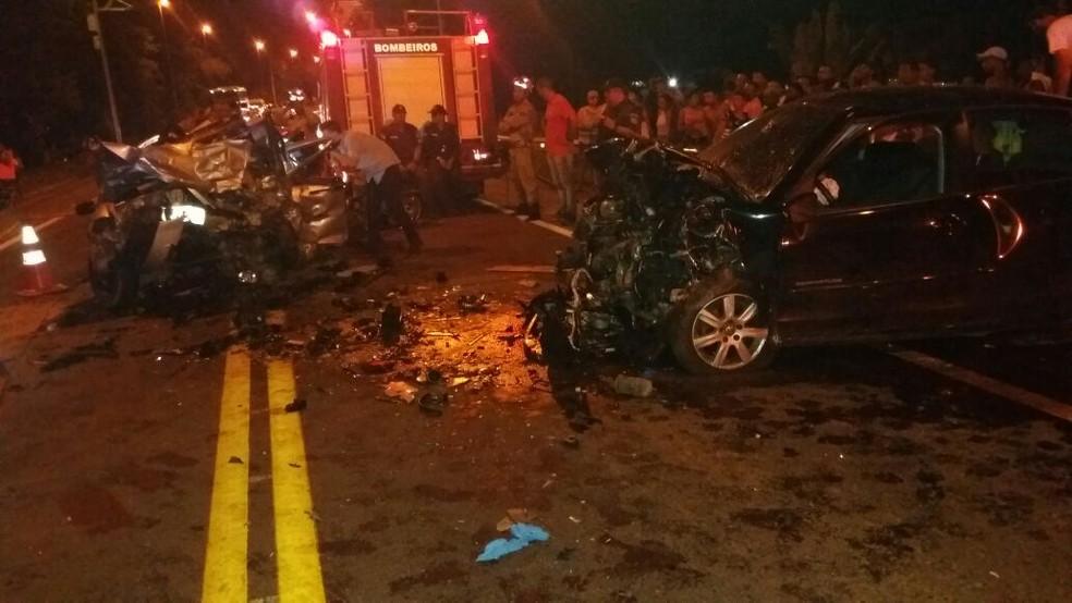 Acidente deixa mortos na BR-393, em Três Rios (Foto: Divulgação/PRF)