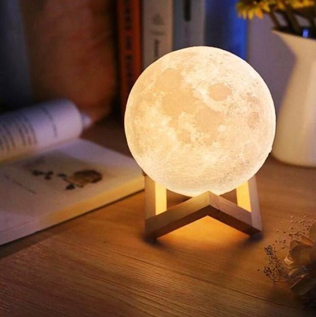 Luminária em formato de lua (Foto: Pinterest/ Reprodução)
