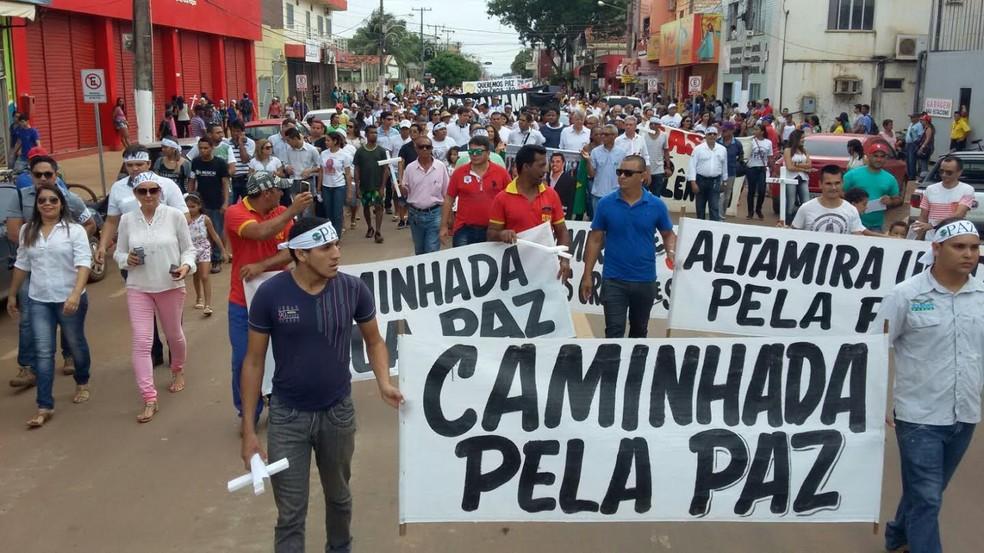 Centenas de pessoas participaram da manifestação pela paz em Altamira, em 2016 (Foto: Elizabete Pereira/ Arquivo Pessoal)