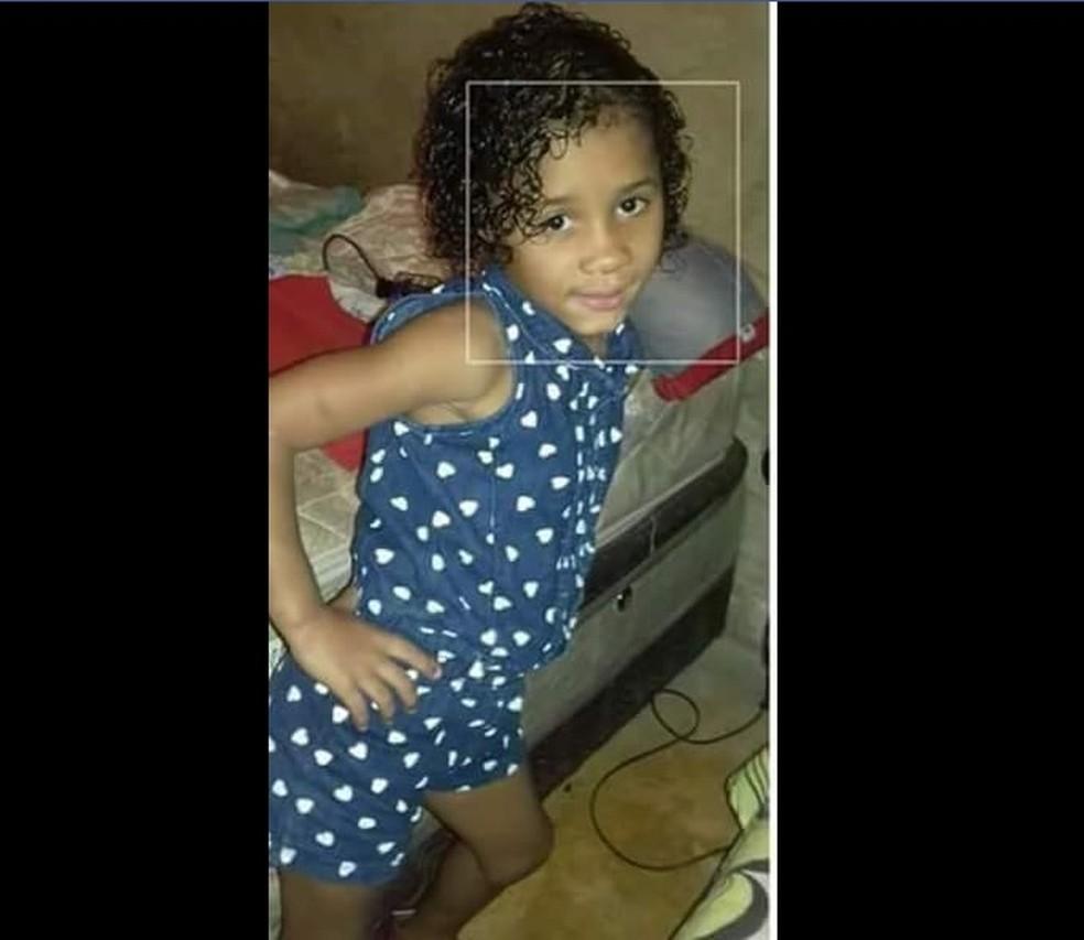 Corpo de menina de 6 anos foi encontrado dentro de mala (Foto: Reprodução / Facebook)