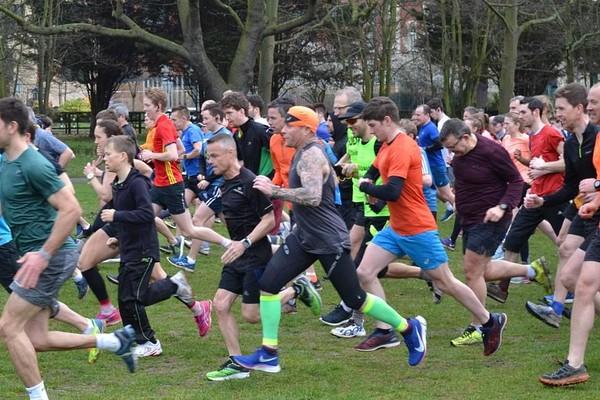 Keith Flint na mini-maratona (Foto: Reprodução/Facebook)