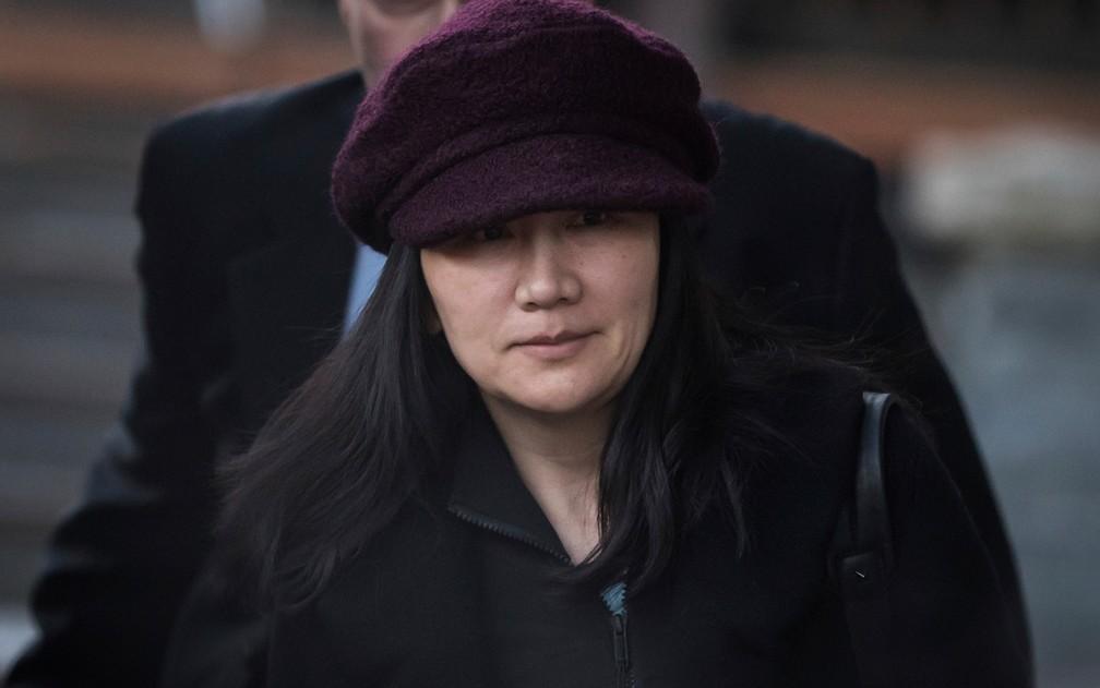 Meng Wanzhou comparece a audiência em tribunal do Canadá nesta terça (29) — Foto: Darryl Dyck/The Canadian Press via AP