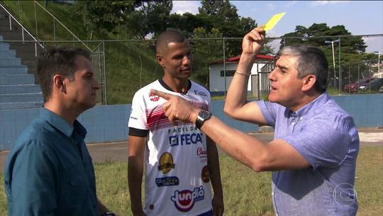 """Famoso por """"roubar"""" cartão de árbitro, André Luis irá disputar a Série B de SC"""