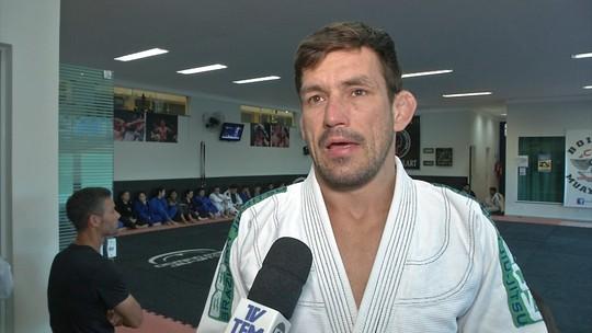 """Demian Maia evita cravar resultado, mas aposta em Aldo no UFC 218: """"Na torcida"""""""