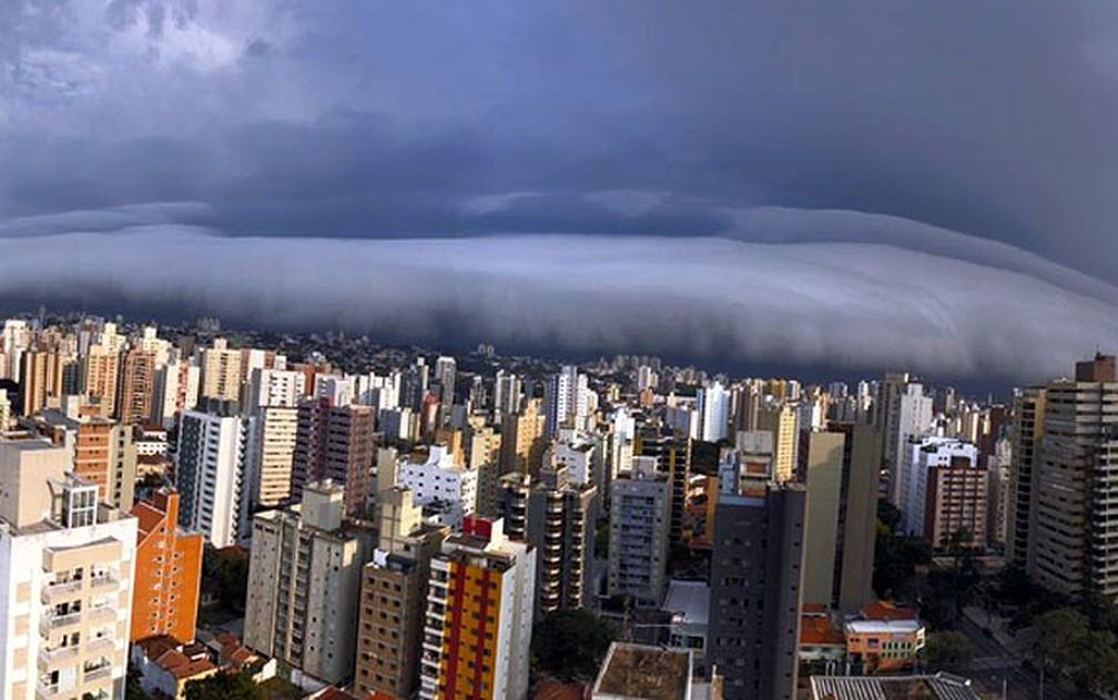 Nuvem chama atenção em Campinas — Foto: Arquivo Pessoal