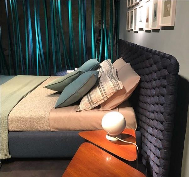 As tramas e os diversos materiais usados como revestimento chamam atenção no trabalho da designer Paola Lenti (Foto: Casa e Jardim)