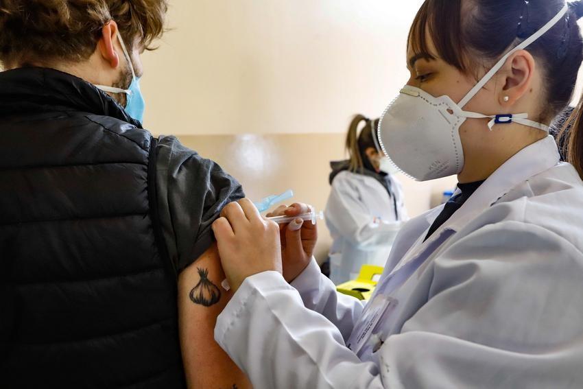 São José vacina pessoas com 29 anos contra Covid nesta quinta-feira