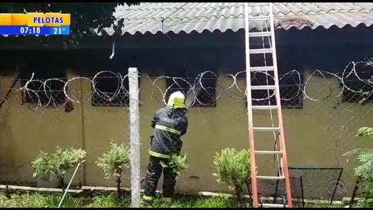 Presos são transferidos após incêndio destruir parte de presídio em Espumoso