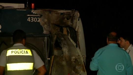 Ladrões explodem carro-forte e fogem com dinheiro no trecho de Suzano do Rodoanel, diz polícia