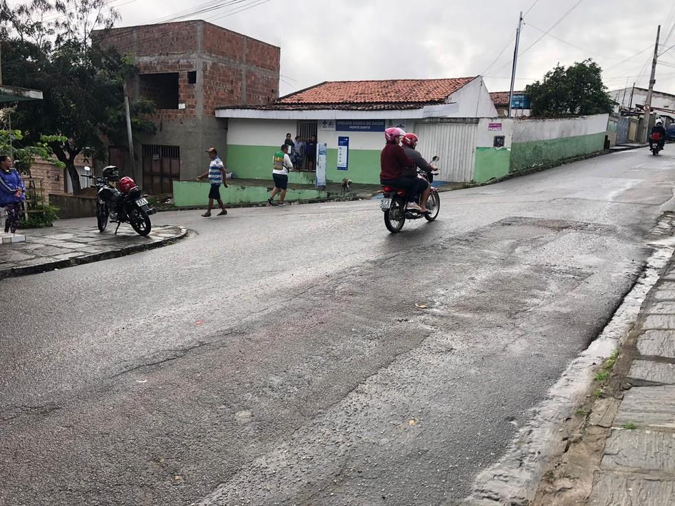 Policial militar foi morto com um tiro por outro PM durante uma ação da polícia no bairro do Monte Santo, em Campina Grande — Foto: Mário Aguiar/TV Paraíba